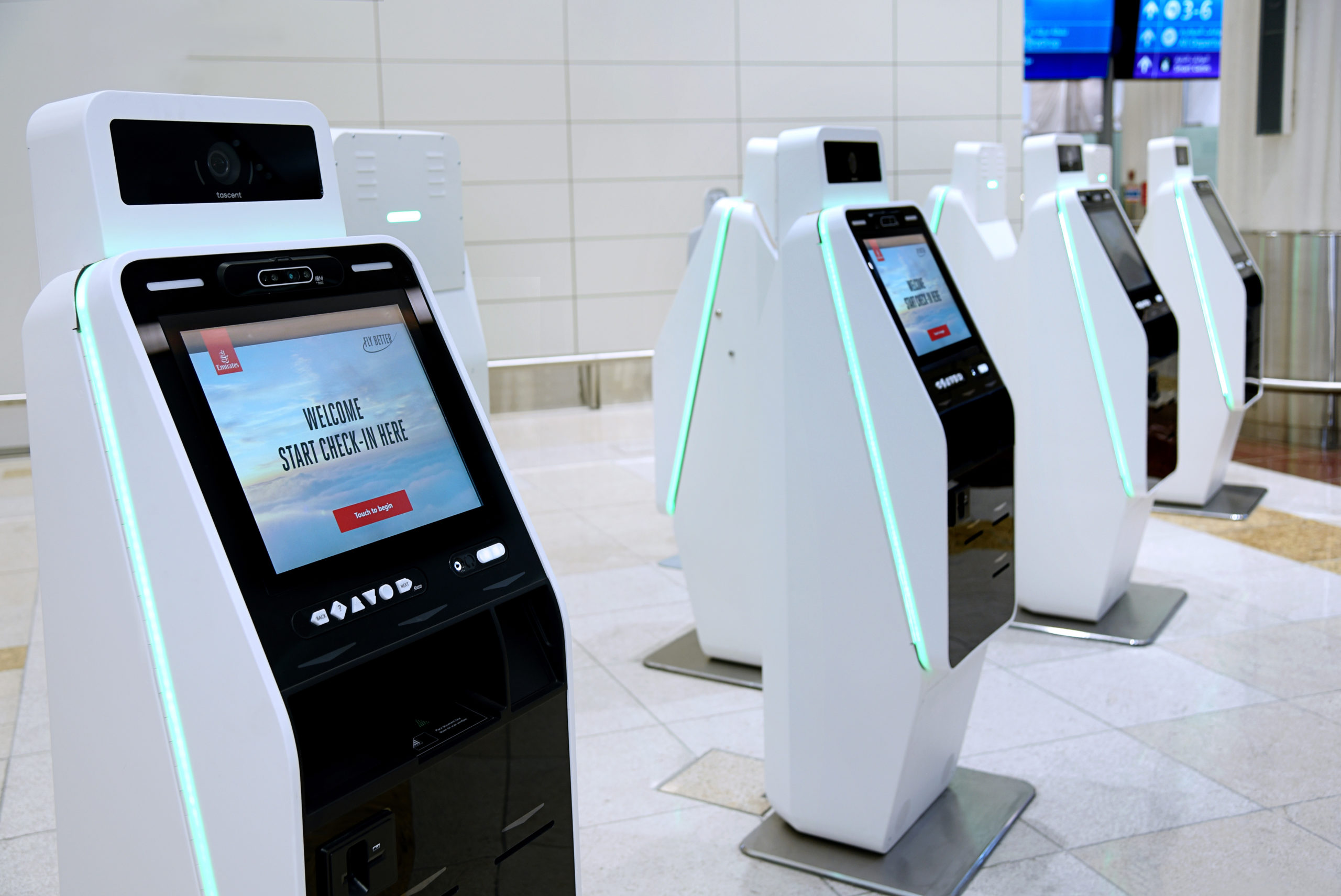 emirates, digital signage