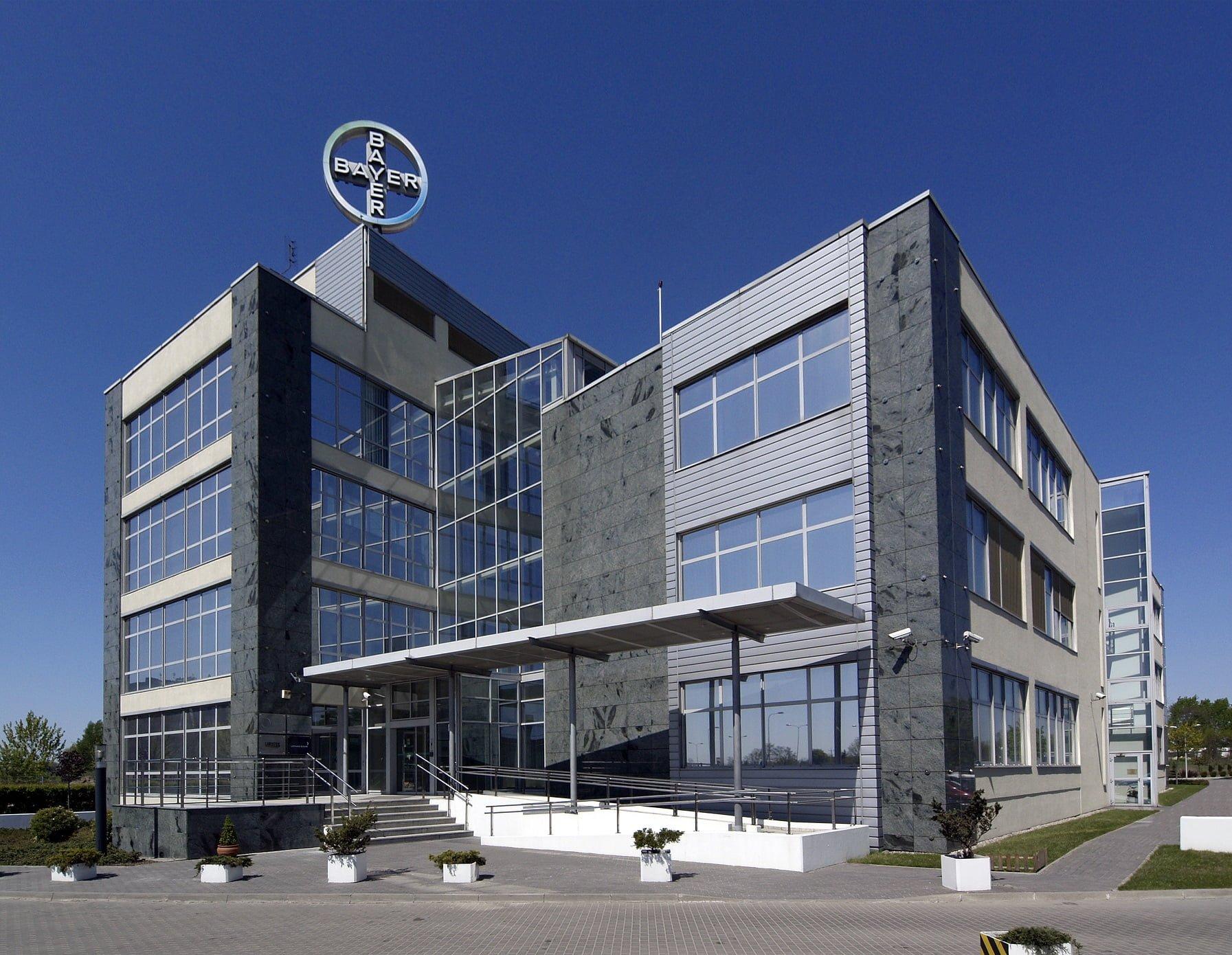 Bayer, Warszawa